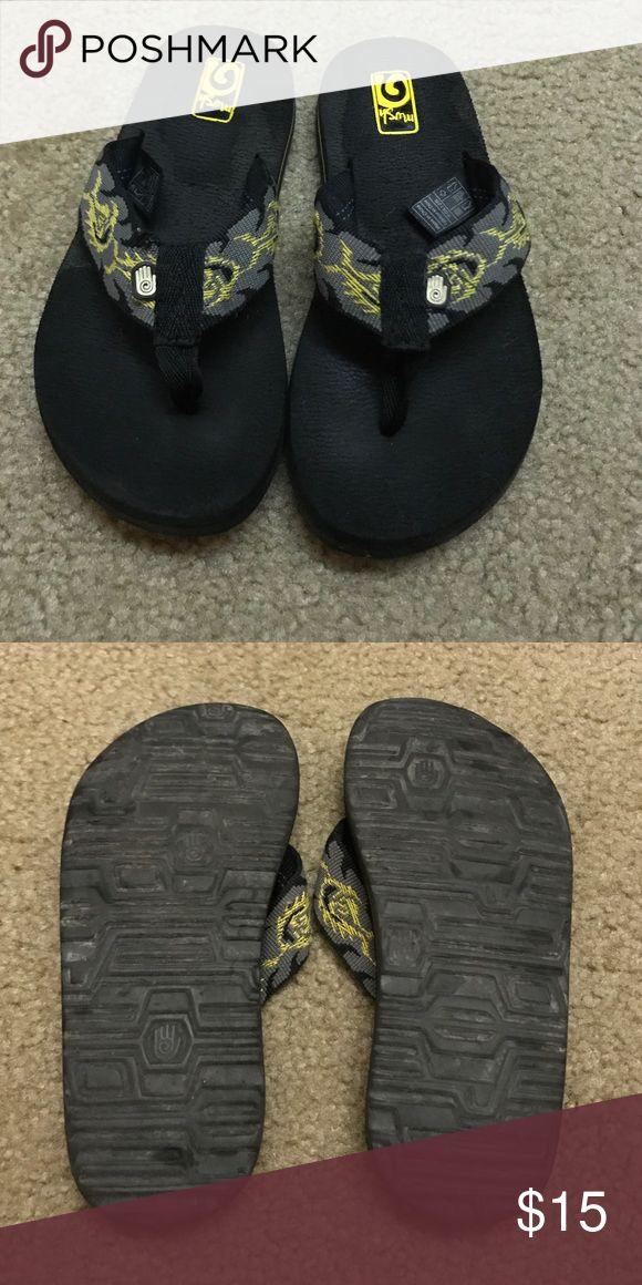 Kids Teva flip flops Size 13 Almost perfect condition! Kids Teva flip flops! Boys or girls- size 13 Teva Shoes Sandals & Flip Flops