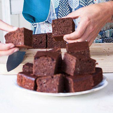 Davina's Chocolate & Banana Tray Bake - from Lakeland