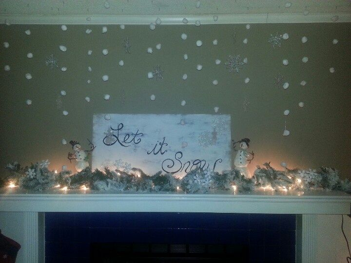 Christmas Mantle Decorating Ideas | Christmas mantle decor I made using ideas from Pinterest | Christmas