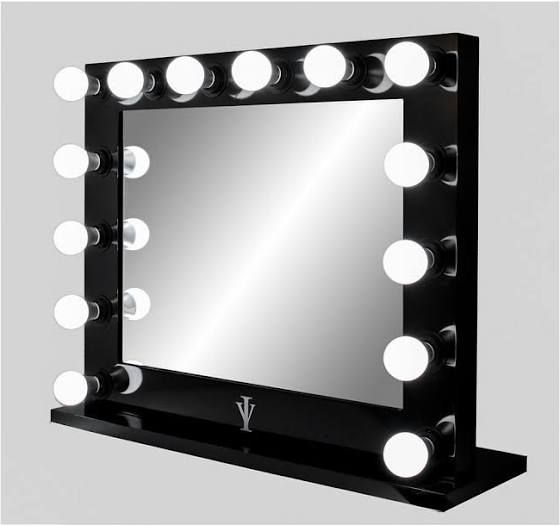 New hollywood mirror with lights
