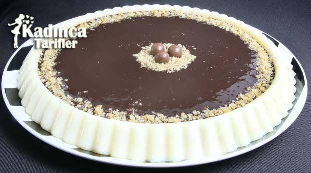 Çikolata Soslu İrmik Tatlısı Tarifi | Kadınca Tarifler | Kolay ve Nefis Yemek Tarifleri Sitesi - Oktay Usta