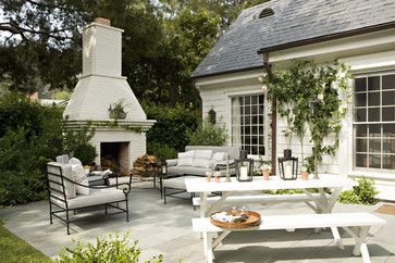 inviting outdoor space by Tim Barber LTD Architecture & Interior Design