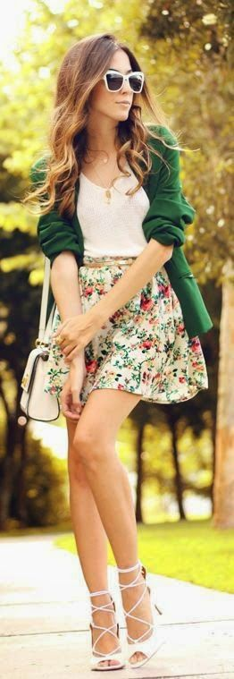 Street style, Floral Spring outfit and I would so combine my outfit like this except skirt is way to short