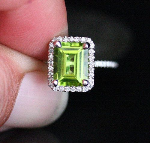 White Gold Peridot Engagement Ring Peridot от Twoperidotbirds