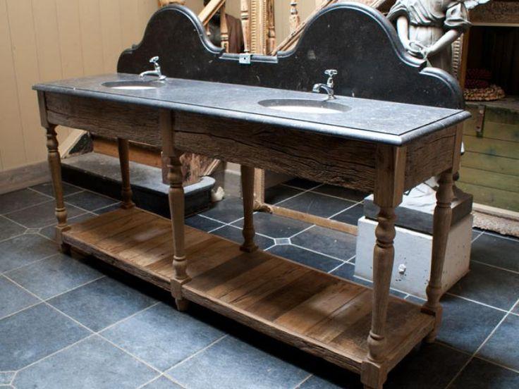 Meer dan 1000 afbeeldingen over rene houtman landelijke badkamers vlaamse stijl eikenhout - Ouderwetse badkamer ...