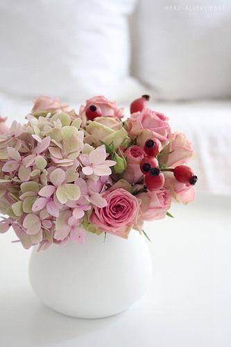 Hortensia, rosa y más. Hydrangea, rose and more.