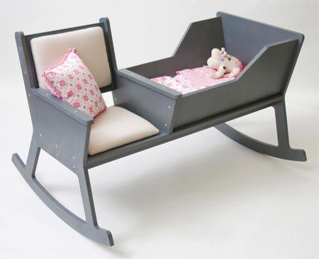Un berceau rocking chair : original et 2 en 1, pour bercer le bébé et les parents !
