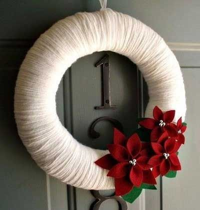 DIY Christmas Wreaths for Front Door - White Yarn with Flowers Holiday Wreath - Click Pick for 24 Easy Christmas Decorating Ideas