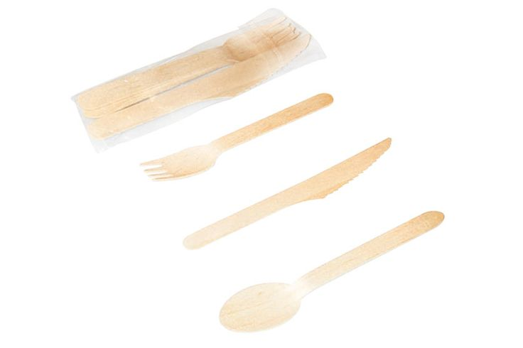Set de cubiertos de madera biodegradable y compostable, cuchillo, cuchara y tenedor.