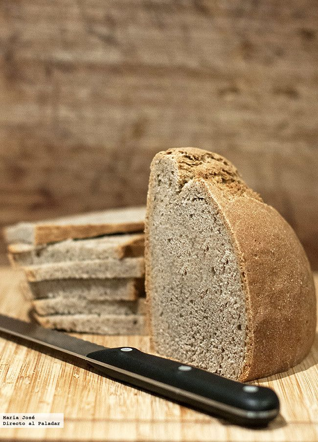 Receta de pan de trigo sarraceno con Thermomix. Fotografías con el paso a paso del proceso de elaboración. Sugerencia de presentación. Trucos y consejos