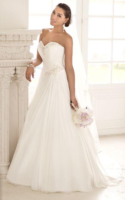 Simple elegant wedding dress by Stella York. (Style 5781)