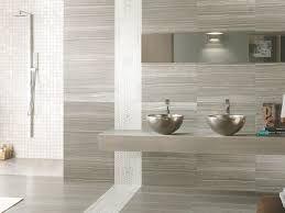 17 migliori idee su piastrelle per doccia su pinterest bagno con doccia docce e design del bagno - Rivestimenti bagni esempi ...