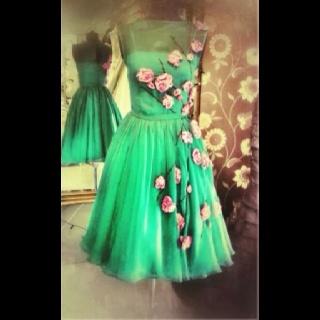 Roses!Party Dresses, Parties Dresses, Vintage Dresses, Flower Dresses, Vintage Green, Chiffon Dresses, Floral Dresses, Tulle Dress, Green Dresses