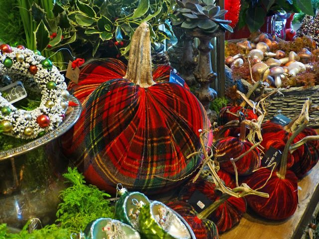 Romancing the Home: Holiday Spirit at Twigs in Lake Bluff
