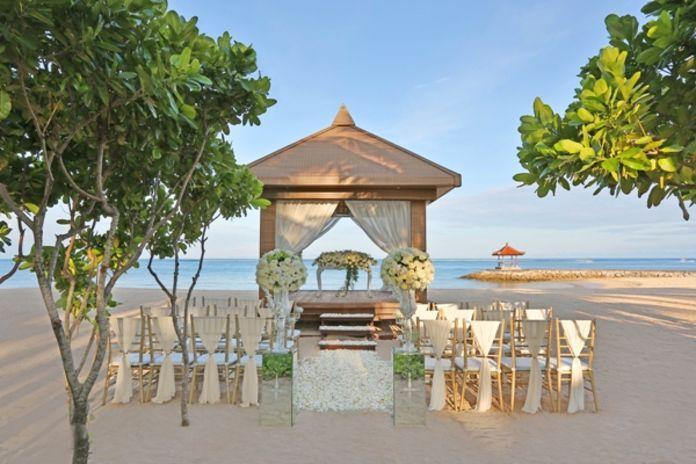 An idea for beach wedding party  | http://www.bridestory.com/the-royal-santrian-luxury-beach-villa/projects/water-wedding1438162387