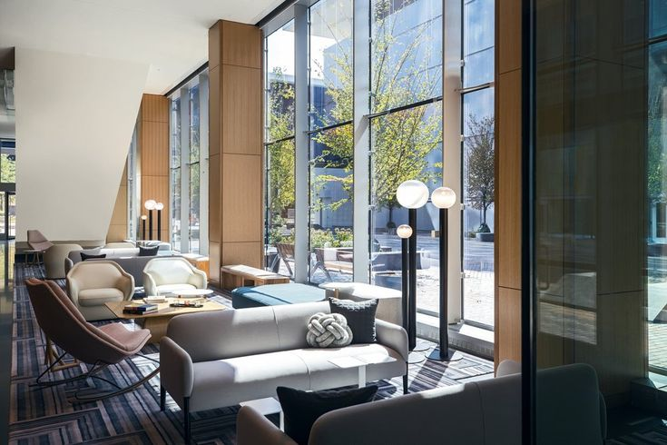 Marriott Marquis Chicago Lobby |  hospitality furniure, sofá chair, furniture concept #hospitalityfurniture #furnituresolutions #designer More: http://hotelinteriordesigns.eu/essential_grid/100-modern-chairs/