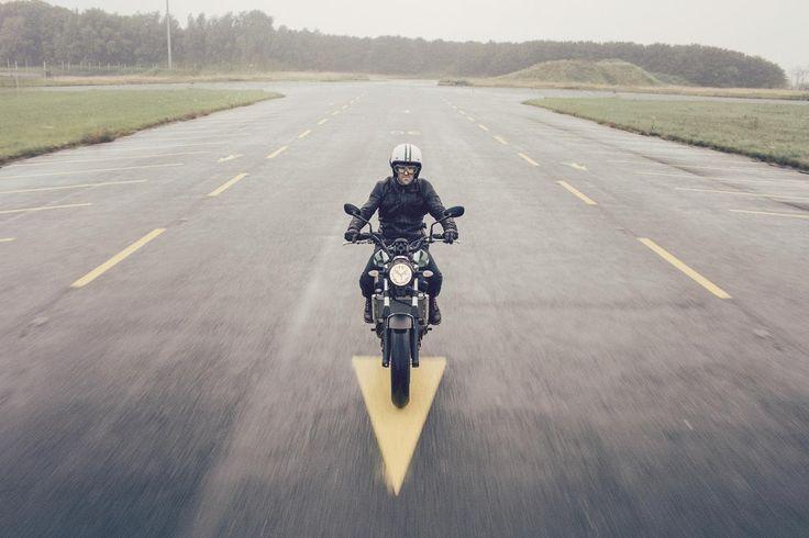 Optimum #sürüş keyfi için geliştirilen #XSR700 Yamaha'nın tasarımda en iyi yönlerini alırken aynı zamanda geleceğin motosikleti olma özelliğini taşır. #yamahatürkiye #motosiklet #fastersons #sportheritage