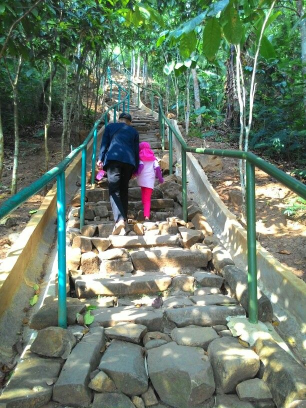 Situs Megalitikum, gn.Padang. Cianjur, Jawa Barat