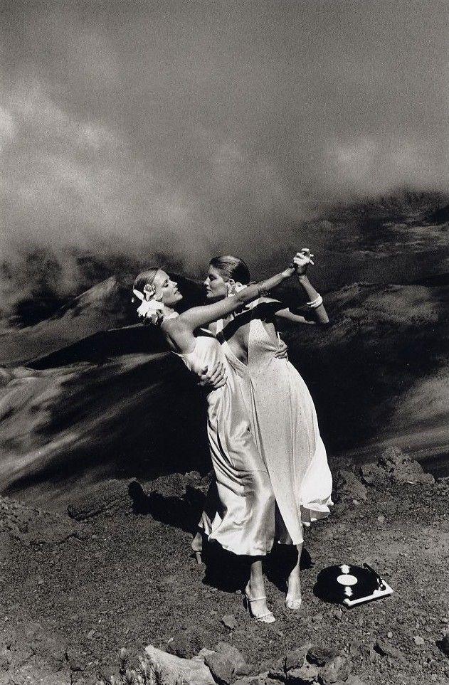 Patti Hansen and Rene Russo, Maui, Hawaii, 1974  Photographer: Helmut Newton