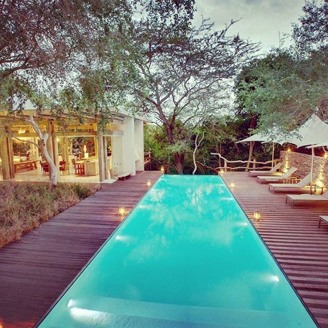 The lovely Kapama Karula and Spa, for the luxury traveller. Sophisticated and elegant style with glistening glass surrounding the camp.
