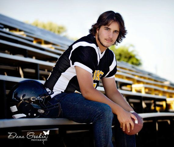 Senior Pictures Football  studio d