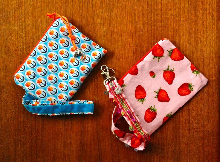 """2 Kosmetik-Täschen Schnitt: Karo von Farbenmix, aber mit Reißverschluss ohne """"Geknubbel"""" von Pech & Schwefel Stoff: Dutch Love sowie ein Erdbeer-Restchen vom Stoffmarkt"""