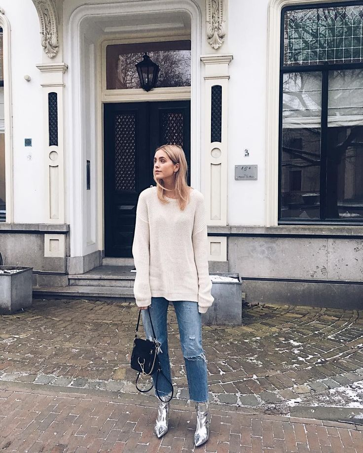 On the hunt for outfit inspiration? Here are 10 Instagrammed looks, from a few of our favorite fashion bloggers, that'll surely impress you. Which is your favorite?Look 1               Photo via...