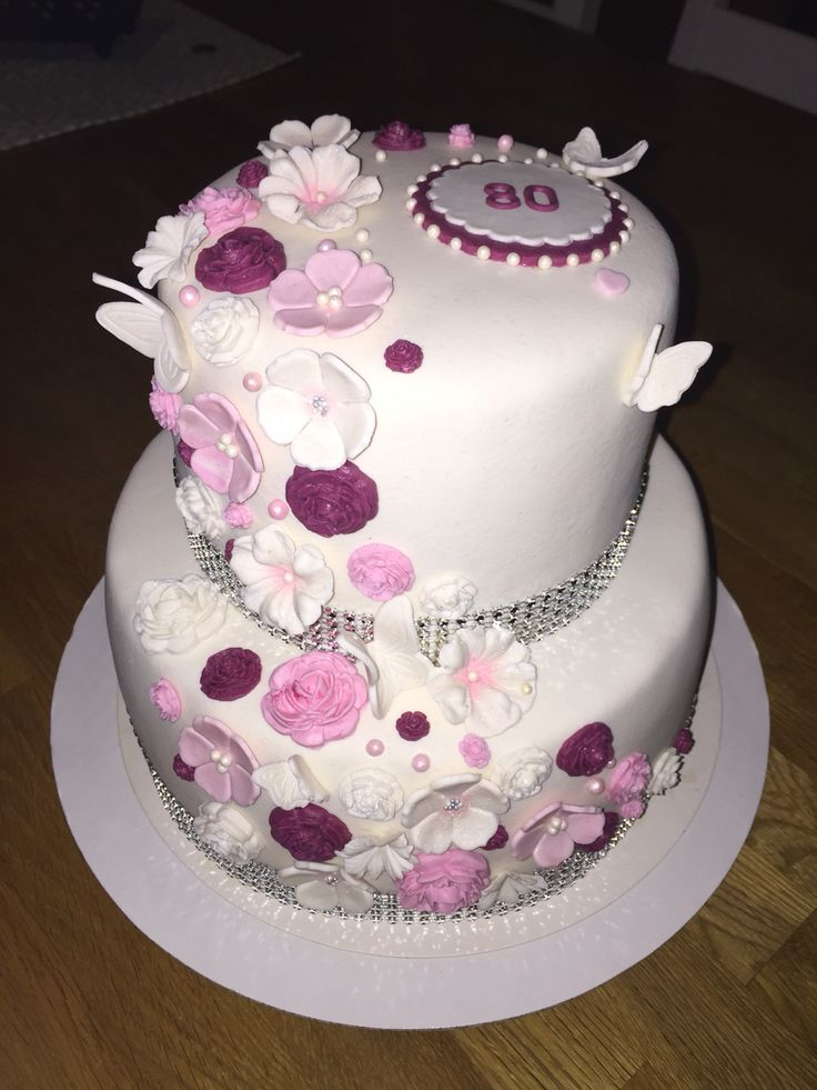 80th birthday cake flowercake blingbling butterflies 80års tårta blommor fjärilar