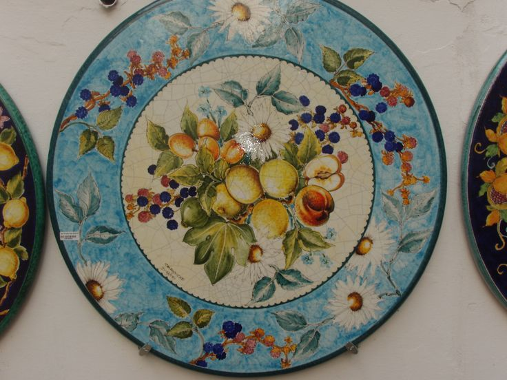 hand painted wall plate. for sale. erreci1958@yahoo.it
