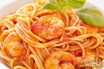 Receita de Espaguete ao molho de camarão em receitas de massas, veja essa e outras receitas aqui!