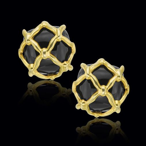 These black onyx and 14k yellow gold lattice earclips are effortless and…