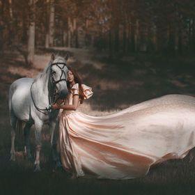 Fairytale Fantasy Photography | Equestrian Princess http://www.pinterest.com/oddsouldesigns/fairytale-fantasy/