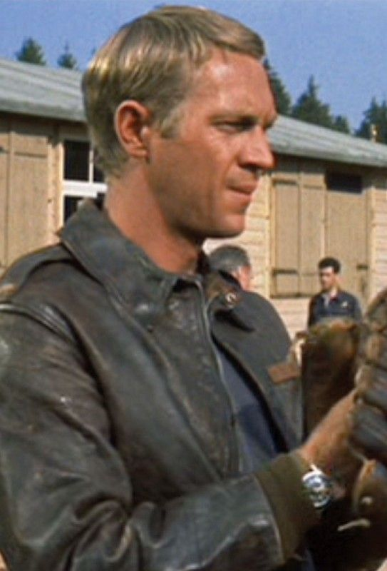 Steve McQueen, in The Great Escape (1963). ☑  Sam Page ☺