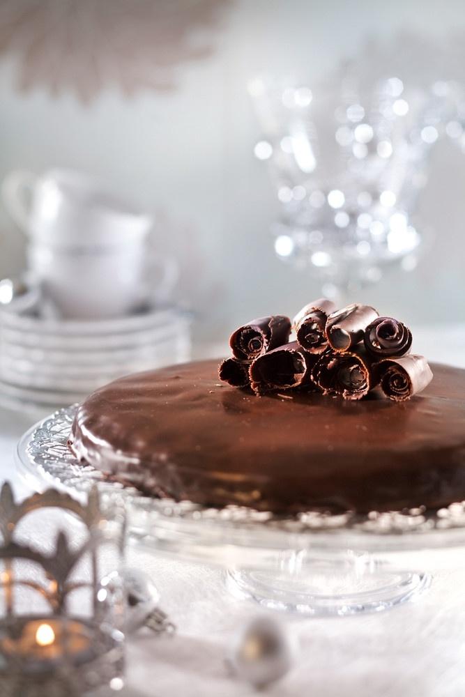 Ruusuritarikunnan suklaakakku | K-ruoka #joulu