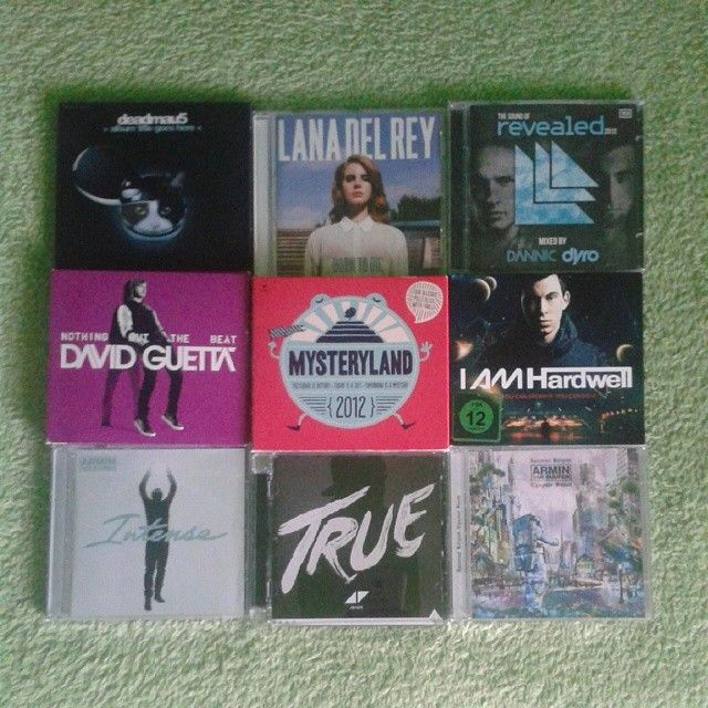 Those are my favourite albums :) Some of them are also a inspiration for drawings :) #inspiration #inspiring #music #edm #progressivehouse #cds #djs #hardwell #avicii #arminvanbuuren #revealedrecordings #mysteryland #true #davidguetta #intense #lanadelrey #iamhardwell #deadmau5 #Mysteryland Check more at…