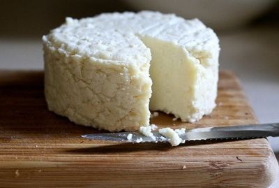How to Make Cheese from Powdered Milk