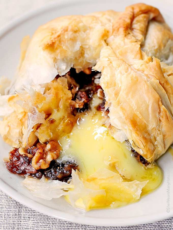 Phyllo Baked Brie with Figs and Walnuts Recipe