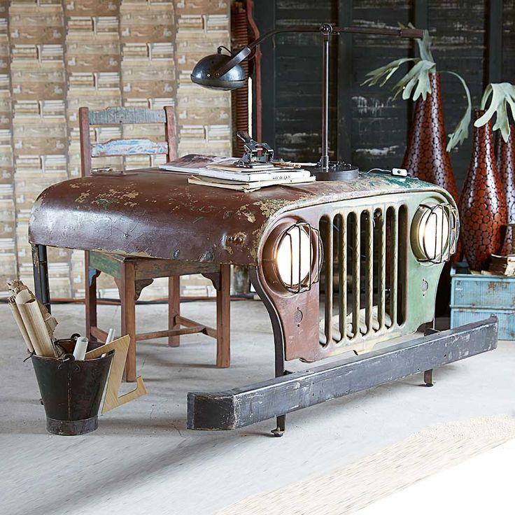 Designer Schreibtisch im Auto Design | Pharao24.de. Absolut ungewöhnlich ist dieser Schreibtisch. Er wurde gebaut aus einer alten Jeep Front. Wer sein Büro individuell und originell einrichten möchte sollte unbedingt über diesen Industrial Design Arbeitsplatz nachdenken. Ein absoluter Eyecatcher! Hier Genaues erfahren: http://www.pharao24.de/designer-schreibtisch-joera-im-auto-design-mit-beleuchtung.html#pint