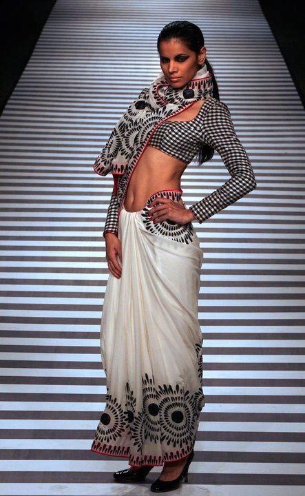 distinctive Saree checkered Blouse #saree #sari #blouse #indian #hp #outfit #shaadi #bridal #fashion #style #desi #designer #wedding #gorgeous #beautiful
