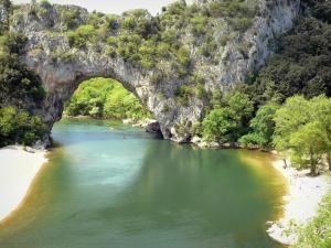 Gids van Vallon-Pont-d'Arc - Toerisme, Vakantie & Weekend