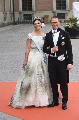 Kroonprinses Victoria draagt H&M op huwelijk broer - Het Nieuwsblad: http://www.nieuwsblad.be/cnt/dmf20150615_01731437?utm_source=facebook