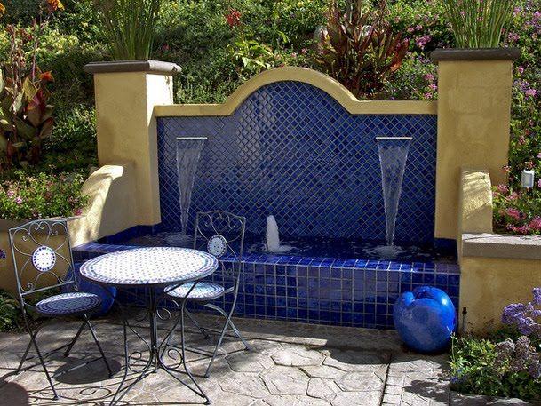 ooutdoor+blue+tile+wall.jpg 609×457 pixels