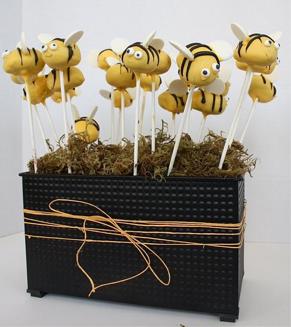 bees cake pops