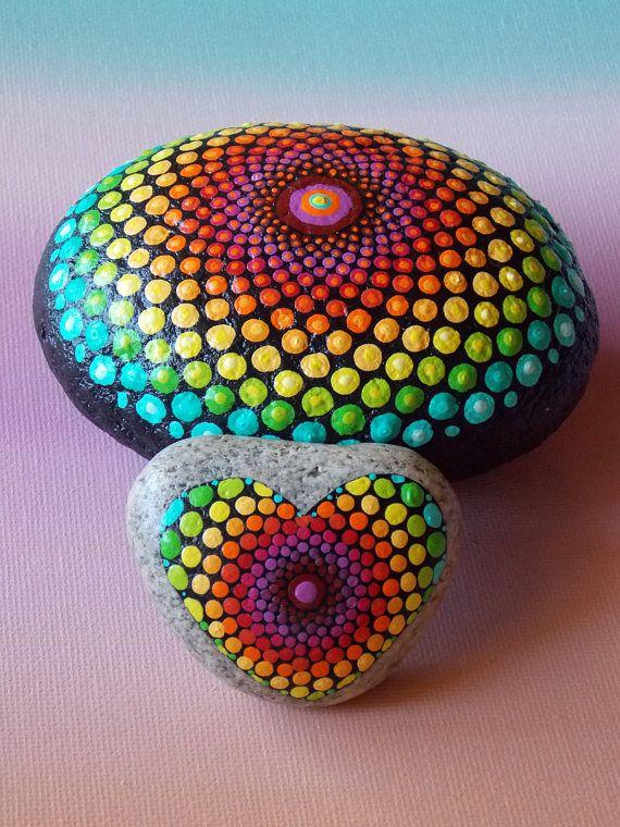 Corazón piedra de Mandala Mandala de punto piedra pintada
