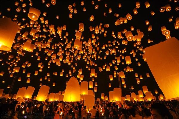Yee Peng Festival, Ching Mai, Tailandia Floating lantern