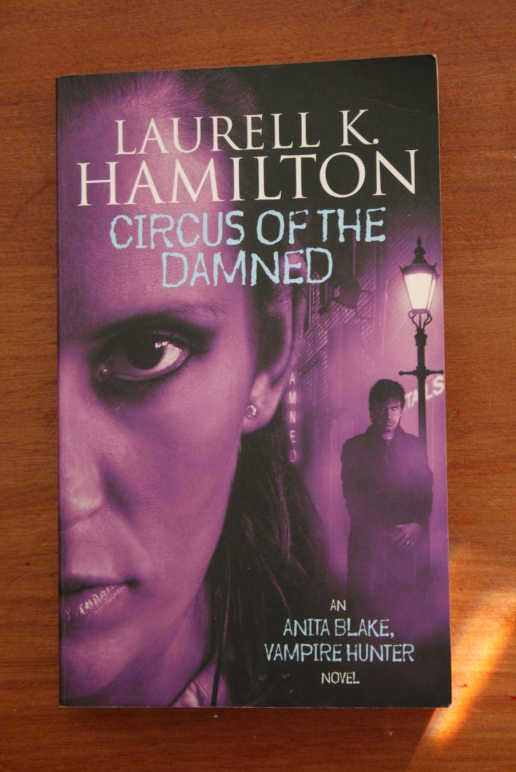 The second Anita Blake vampire hunter novel.
