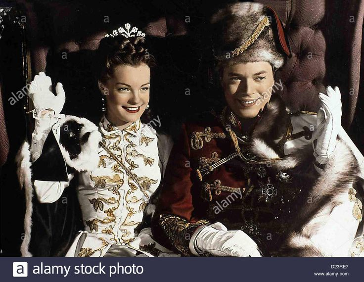 Download this stock image: Sissi, Die Junge Kaiserin  Sissi, Die Junge Kaiserin  Romy Schneider, Karlheinz Böhm Sissi (Romy Schneider) und Franz - D23RE7 from Alamy's library of millions of high resolution stock photos, illustrations and vectors.