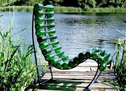 Silla montada con botellas de plástico recicladas.: Recycled Glasses, Recycled Bottle, Lounges Chairs, Recycled Wine Bottle, Beer Bottle, Glasses Art, Glasses Bottle, Bottle Art, Bottle Chairs
