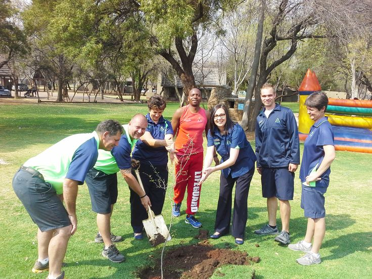 The team at Magalies Park recently planted a Witstinkhout Tree in the spirit of new beginnings this spring! Wishing you all a happy month of September.