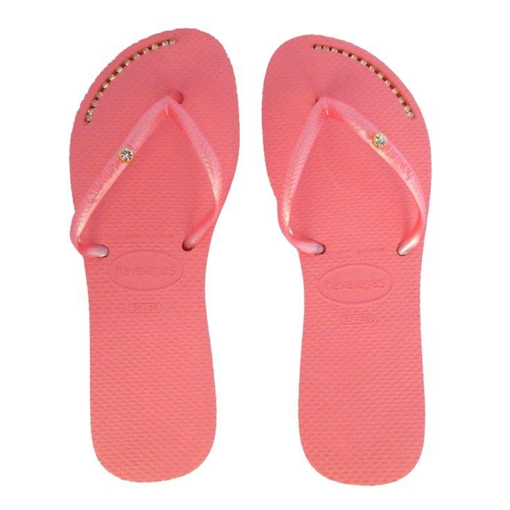 Flat com strass e piercing! Linda e confortável.   #havaianas #chinelocustomizado